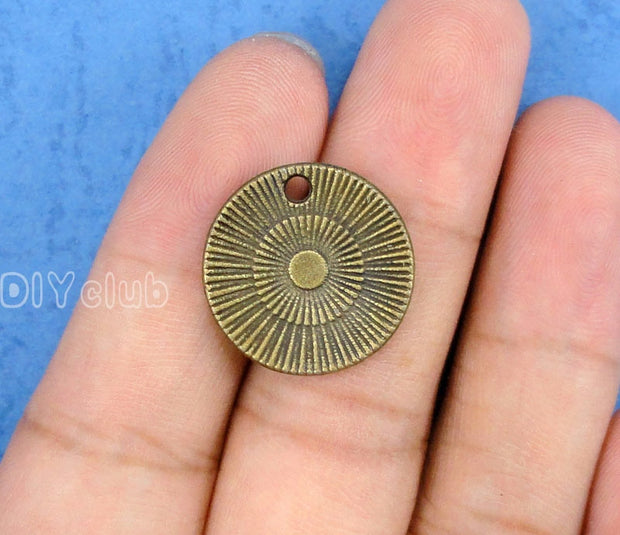 40pcs-Antique Bronze Never Never Give Up Charms Pendant 20mm