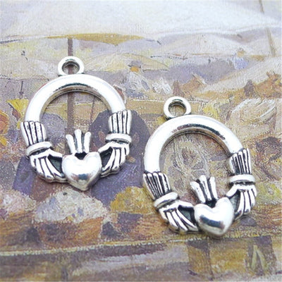 BULK 30 Antique Silver Plated Irish Claddagh Charms Love Loyalty Friendship Pendant 22*29mm