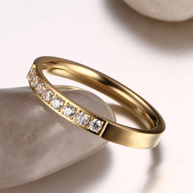 DOYUBO Classical Women Gold Color Rings With Single White CZ Elegant OLStyle Stainless Steel Lady Engagement Ring Jewelry DE007