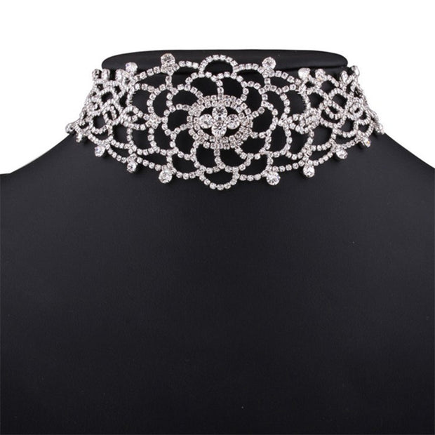 Hot Women Hollow Carved Flower Rhinestone Choker Necklace Jewelry Decor 2019new