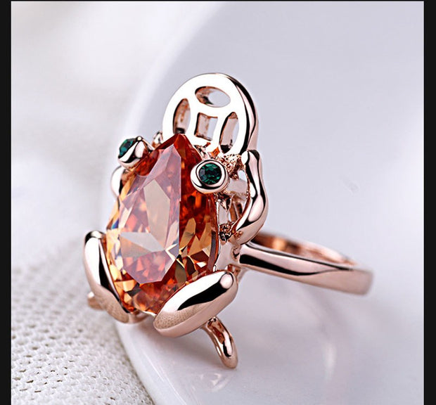 Top Quality Luxury Green Eye Yellow Crystal Gold Toad Ring Vintage Gorgeous Knuckle Rings For Women