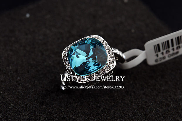 USTYLE Royal Design! White With Rhinestones Surrounded Blue Crystal Jewelry Ring
