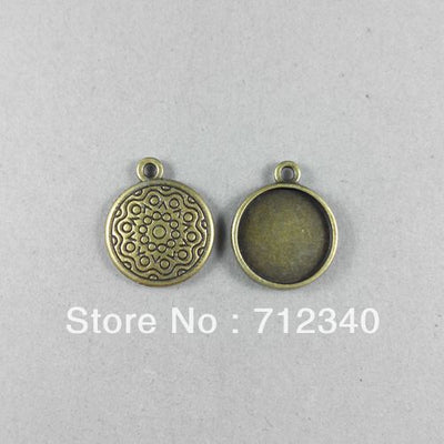 Wholesale 50Pcs/Lot Vintage Antique Bronze Alloy Cabochons Cameo Setting Pendant Charms Inner:14MM 2478