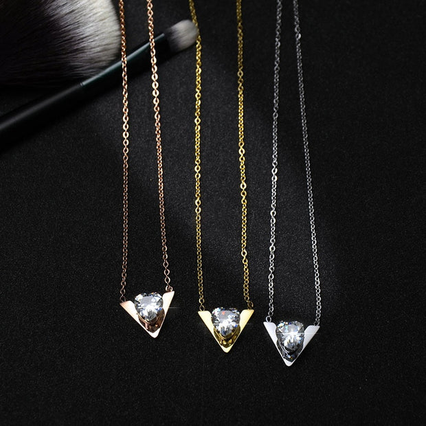 Fashion Crystal Necklace Female Accessories Wholesale Stainless Steel Necklace Pendant Necklaces Necklaces & Pendants For Women