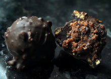 Dark Chocolate Berry Crumble Truffle