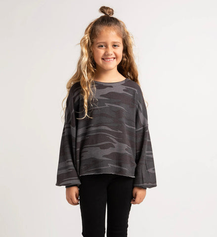 GIRLS MAYORI CAMO FLEECE SWEATSHIRT