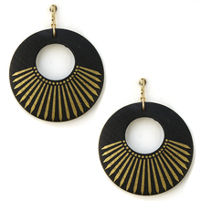 Load image into Gallery viewer, Wooden circle gold accent earrings