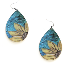Load image into Gallery viewer, Tear drop sunflower earrings