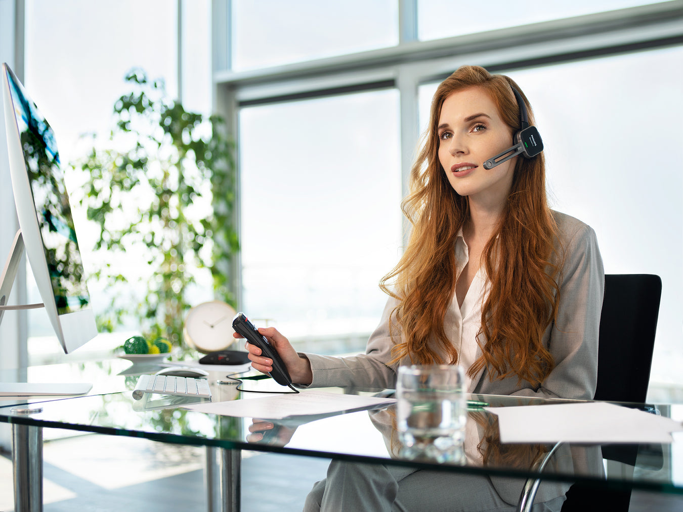Speech Products by Speak-IT Solutions - Philips and Nuance Professional Dictation & Speech Recognition Solutions - Philips SpeechOne Wireless Speech Recognition Headset