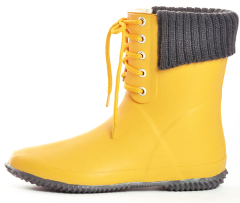 dav rain boots for color pop on neutral wardrobe
