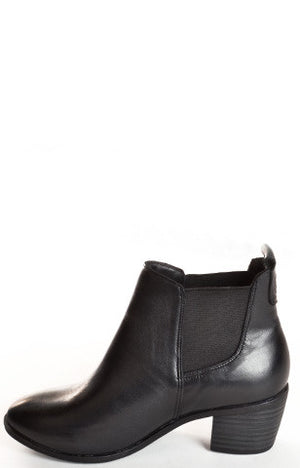 Women's fashion Sienna black dav waterproof leather boots.