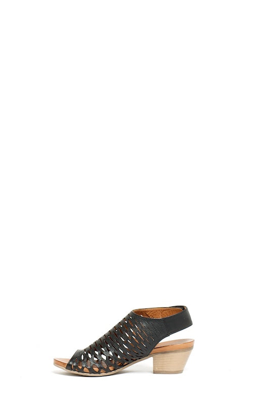 Bueno Lacey SS20, black