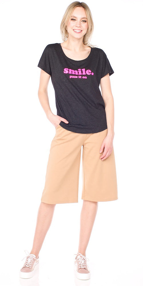 "Bergstrom ""Smile"" Dolman Tee, charcoal/neon pink"