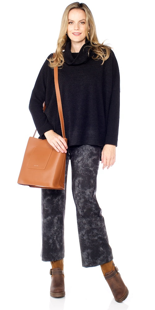 Neutra Sweater, black