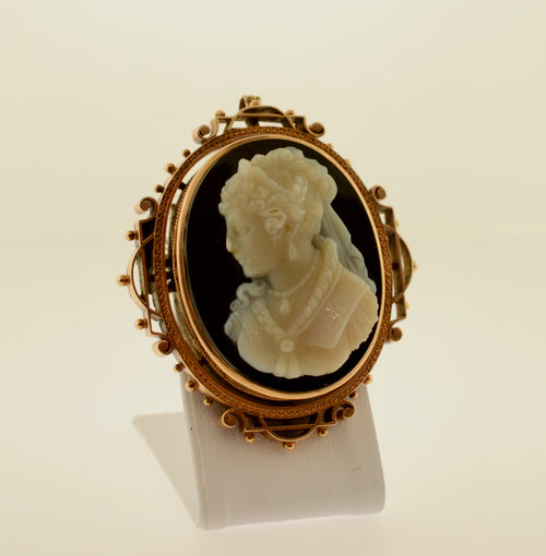 Agate Cameo Gold Mourning Pendant/Brooch