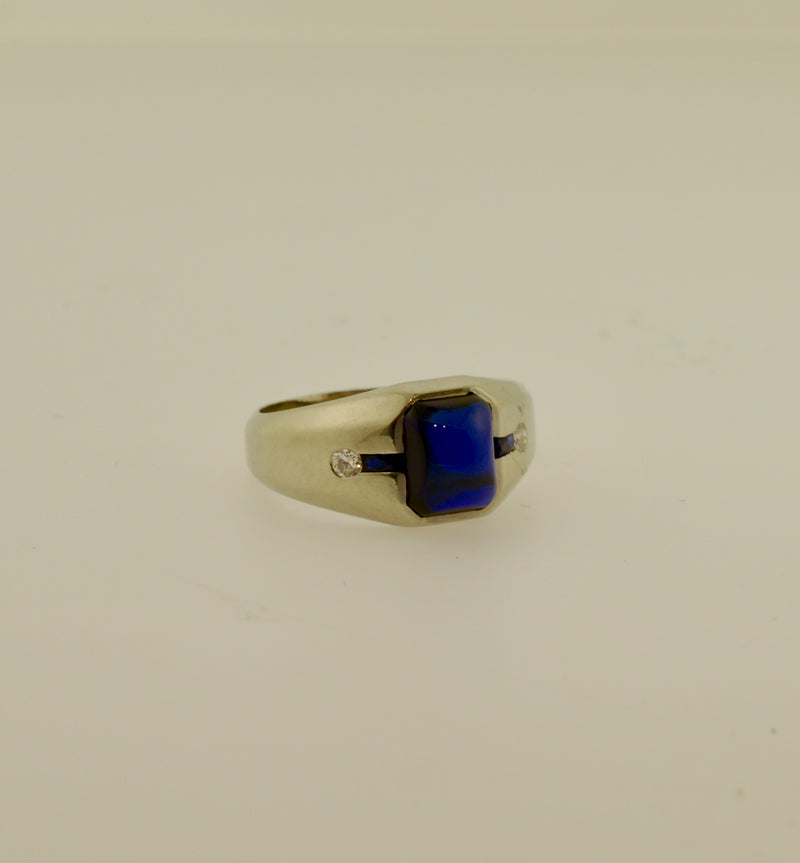 Sugarloaf Cabachon Sapphire and Diamond White Gold Ring