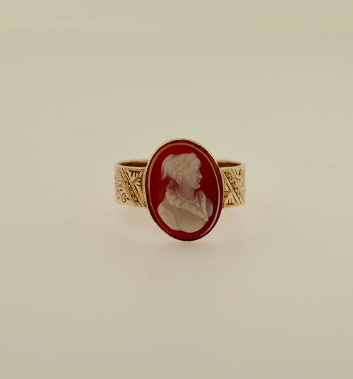 Antique Agate Cameo Gold Ring with Hand Engraved Band