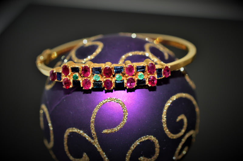22K Yellow Gold Gemstone Bangle Bracelet
