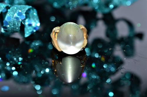 18K Yellow Gold Henry Dunay Green Moonstone And Diamond Ring