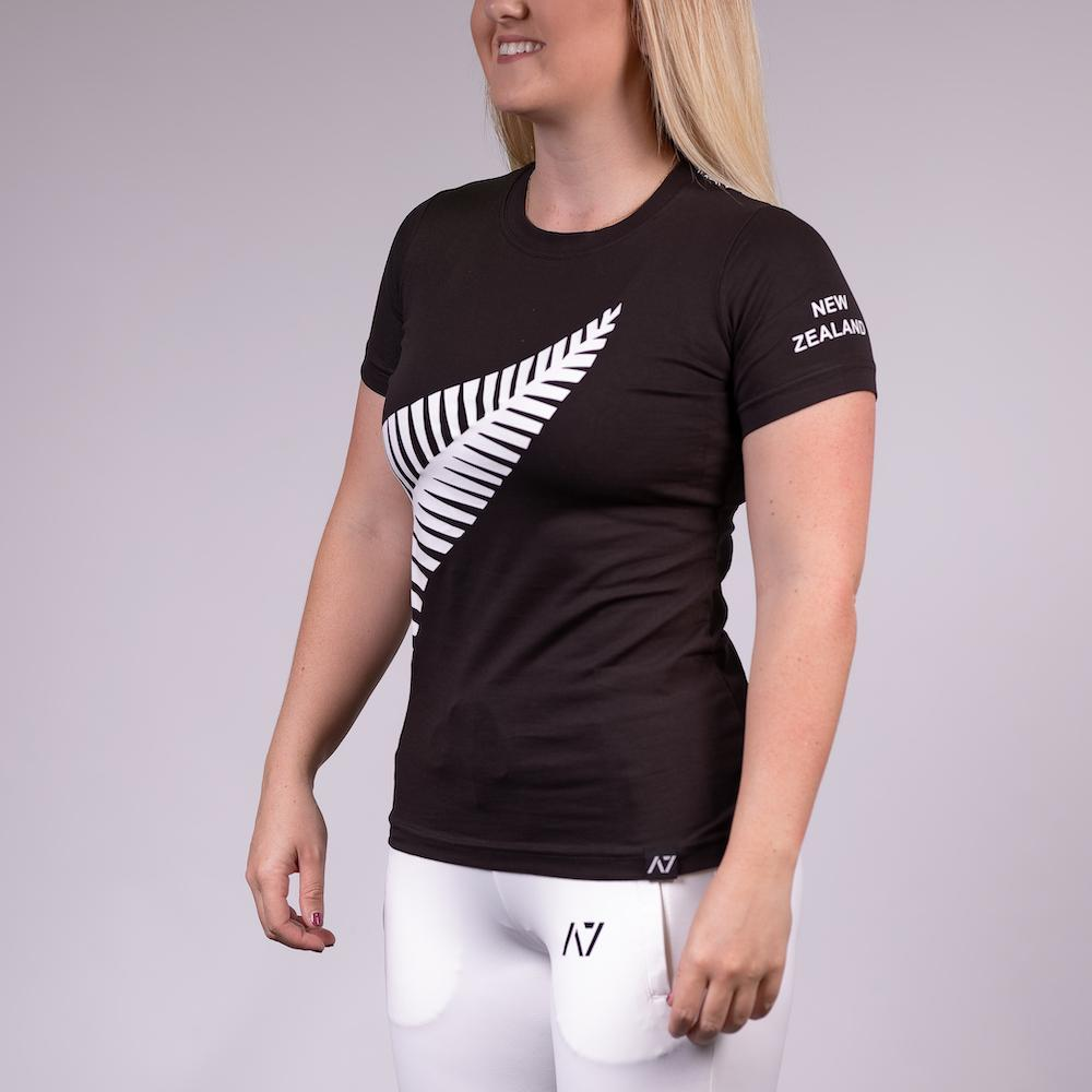 A7 New Zealand Bar Grip T-shirt, great as a squat shirt. Purchase New Zealand Bar Grip tshirt from A7 UK. Purchase New Zealand Bar Grip Shirt Europe from A7 UK. No more chalk and no more sliding. Best Bar Grip Tshirts, shipping to UK and Europe from A7 UK. New Zealand bar grip tshirt has a unique New Zealand silver fern flag print! The best Powerlifting apparel for all your workouts.