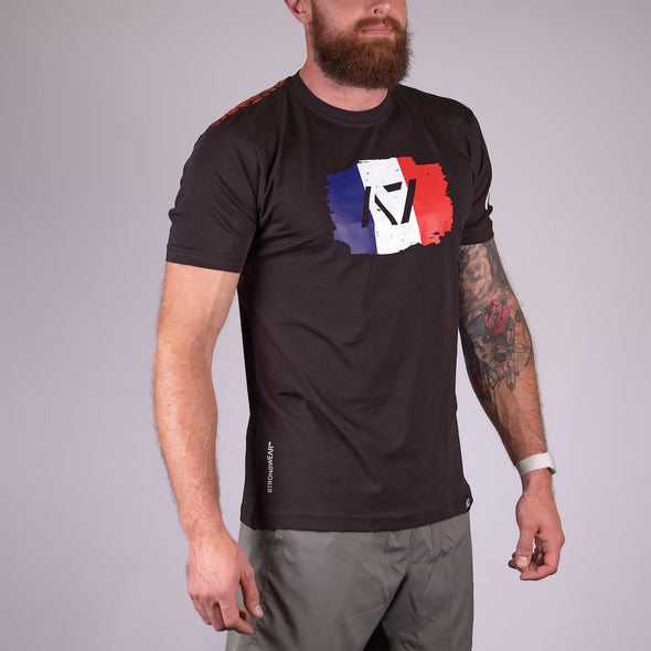 A7 Le Français Bar Grip T-shirt, great as a squat shirt. Purchase Le Français Bar Grip tshirt from A7 UK. Purchase Le Français Bar Grip Shirt Europe from A7 UK. Best Bar Grip Tshirts, shipping to UK and Europe from A7 UK. Le Français bar grip tshirt has a Unique French flag print! The best Powerlifting apparel for all your workouts. Available in UK and Europe including France, Italy, Germany, Sweden and Poland