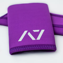 A7 IPF approved Purple CONE knee sleeves are structured with a downward cut panel on the back of the quad and calf to ensure ultimate compression at the knee joint. A7 CONE knee sleeves are IPF approved for use in all powerlifting competitions. A7 cone knee sleeves are made with high quality neoprene and the knee sleeves are sold as a pair. The double seem on the knee sleeves create a greater tension on the knee joint. Available in UK and Europe including France, Italy, Germany, Sweden and Poland