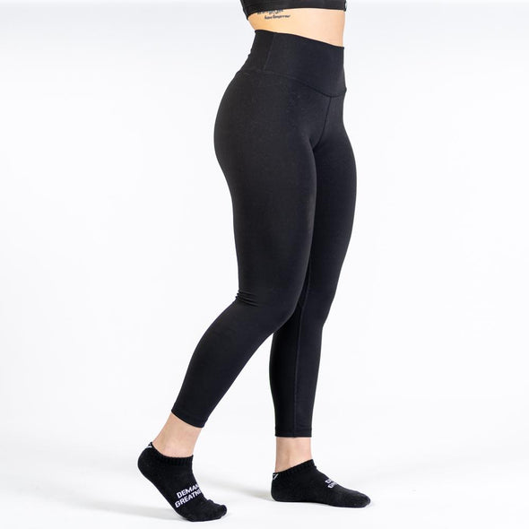 A7 XO Leggings are here! Made from super-soft moisture-wicking material, these are comfortable to wear during your workout or just to lounge around in. The best Powerlifting apparel and accessories for all your workouts. Available in UK and Europe including France, Italy, Germany, Sweden and Poland.