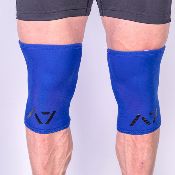 A7 IPF approved Blue CONE knee sleeves are structured with a downward cut panel on the back of the quad and calf to ensure ultimate compression at the knee joint. A7 CONE knee sleeves are IPF approved for use in all powerlifting competitions. A7 cone knee sleeves are made with high quality neoprene and the knee sleeves are sold as a pair. The double seem on the knee sleeves create a greater tension on the knee joint. Available in UK and Europe including France, Italy, Germany, Sweden and Poland