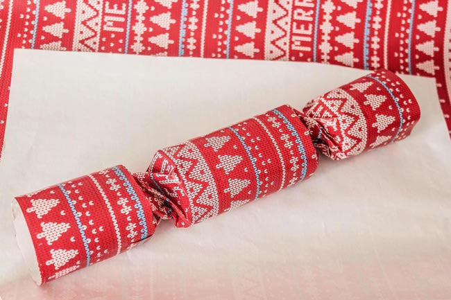 DIY-Christmas-Crackers