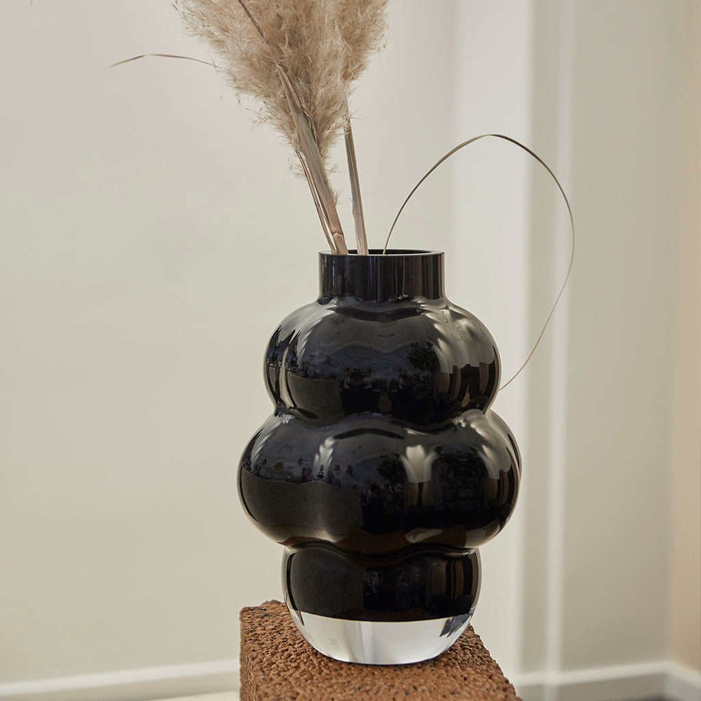 Louise Roe Balloon Vase 04 - Sort