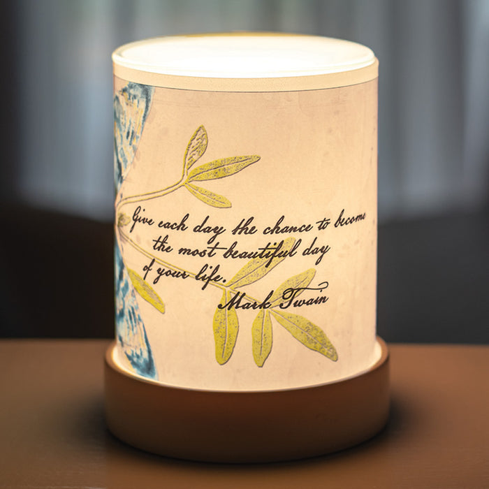 GIVE EACH DAY THE CHANCE MARK TWAIN SCENT WARMER