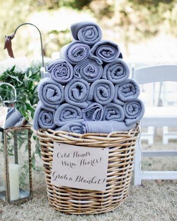 Example of how to present blankets at your wedding (5551951301)