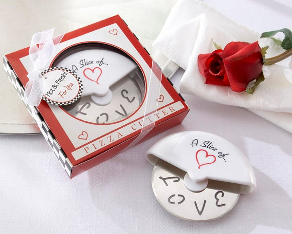 A slice of love pizza cutter favours