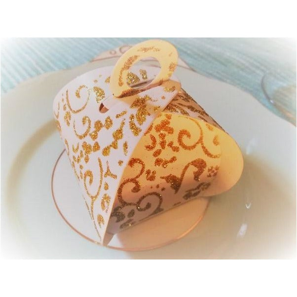 White and gold parcel favour box (Sold in sets of 10)