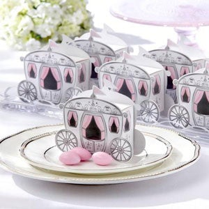 Carriage wedding favour box and gift for wedding guests (89877233)