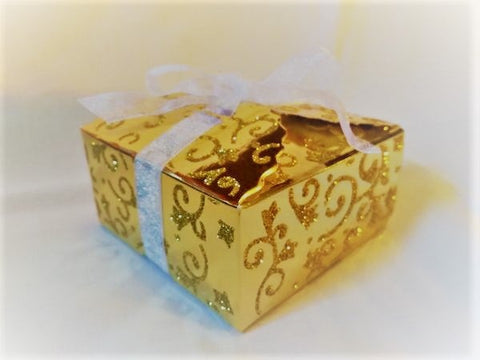 Elegant gold favour boxes (Sold in sets of 10)