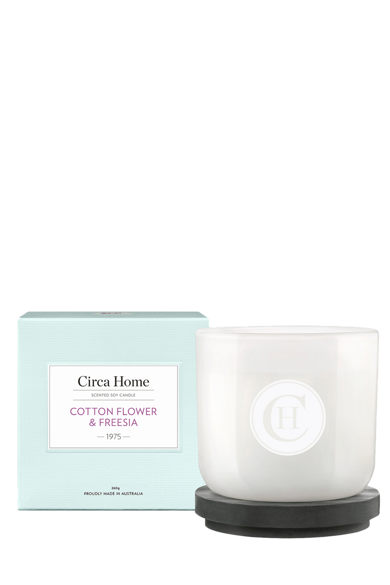 Cotton Flower & Freesia Candle 260g