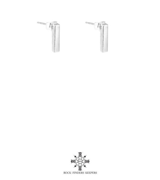 Rock Finders Keepers | Cayge Medium Polished Bar Stud Earrings | Silver | VOULT.COM.AU