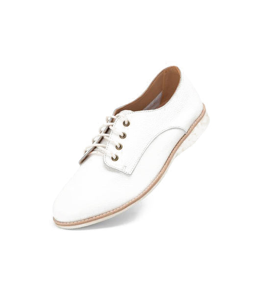 Proud members of the Derby gang, these lightweight lace-ups will woo those tootsies with a soft and comfy build while charming passers-by with their ...