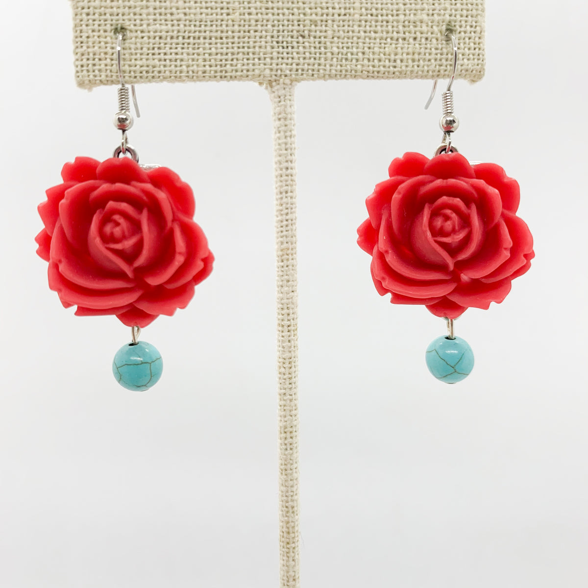 La Chica in Turquoise and Red – Butterflies and Hummingbirds