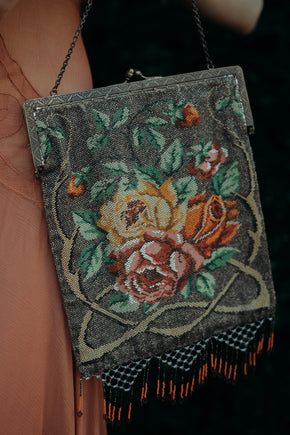 1920s glass beaded purse