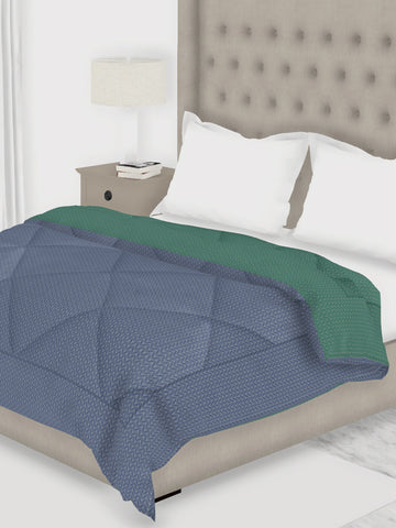 <SMALL><B><strong>COTTSLOVE </B></strong></SMALL>All-Weather Ac Double Comforter [150Gsm Micro-Silk Filling & Soft-Touch Fabric] <small> (solid-lt. nightfall/teal)</small>