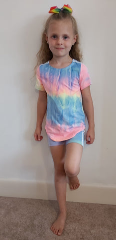 Girl's Tie dye Top with White Stripes & Cycling Shorts