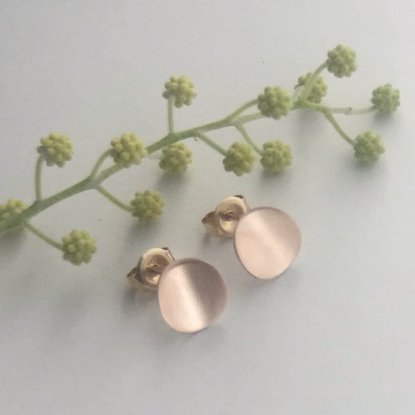 Small Gold Curved Earrings