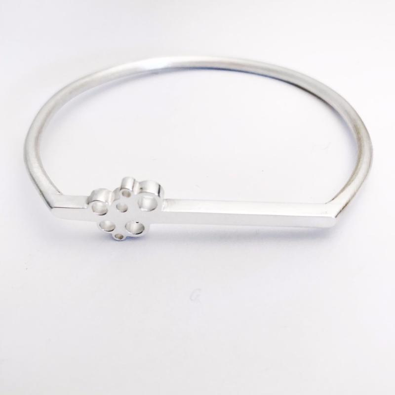 Bubble Flat line sterling silver bangle