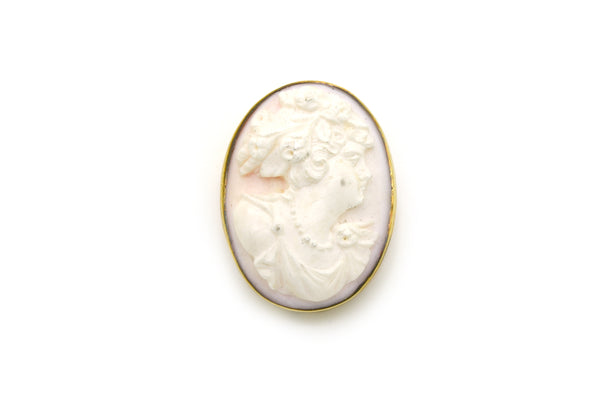 Vintage 14k Yellow Gold Carved Coral Cameo Brooch Pendant in Frame - 40 by 30 mm