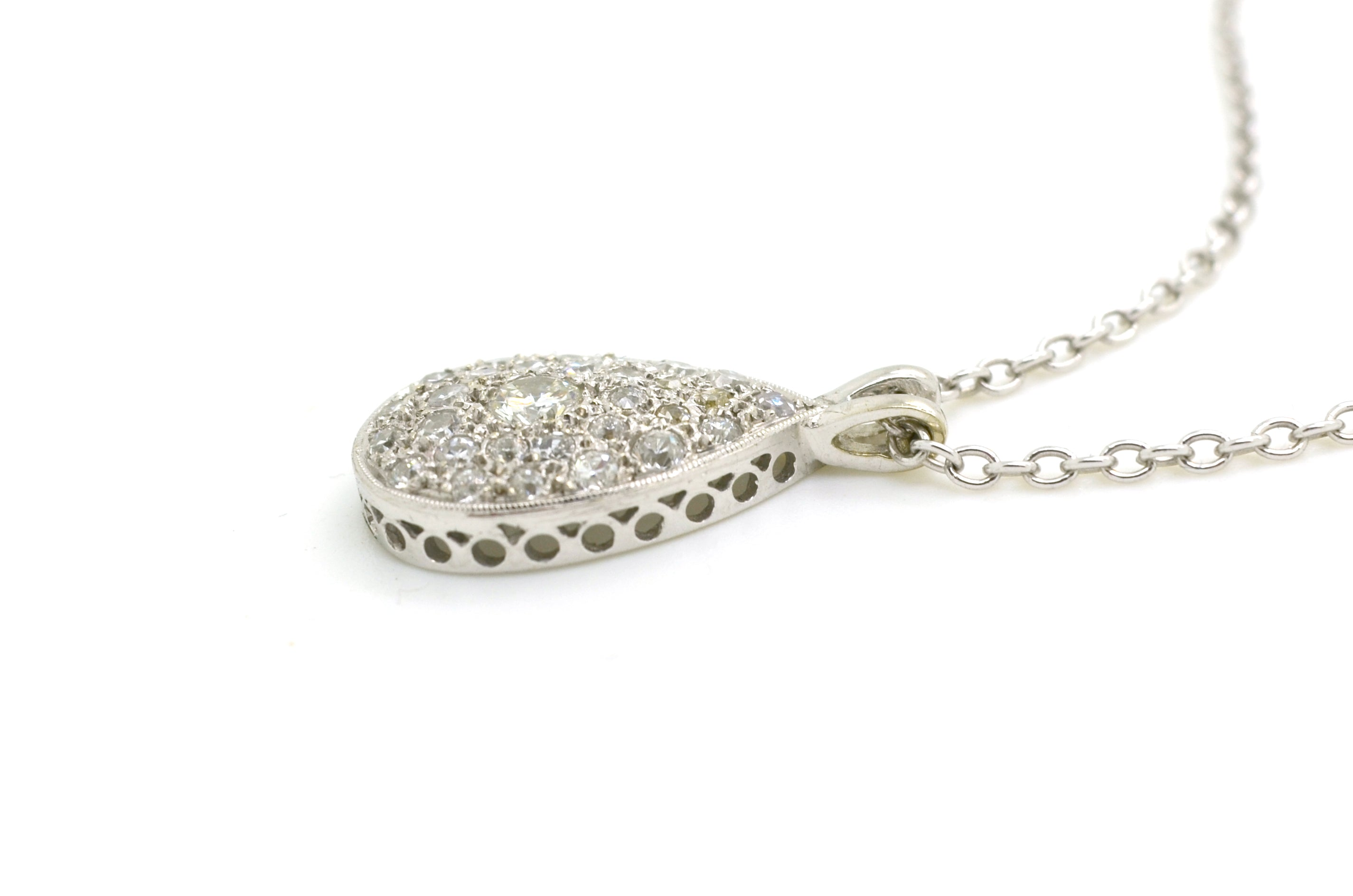 small and setting bezel pendant silver in carataire optics diamond platinum sterling plated with look en product rhodium