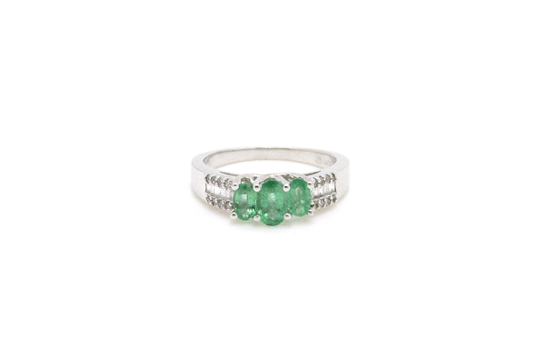 14k White Gold Diamond & Oval Emerald Three Stone Ring - .85 ct. tw - Size 6.75