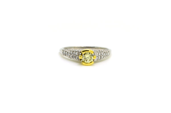 18k Yellow & White Gold Round Diamond Engagement Ring - .75 ct total - Size 7.25