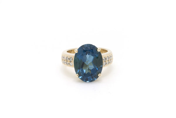 18k Yellow Gold Blue Topaz & Diamond Cocktail Ring - 9.15 ct. total - Size 7.5